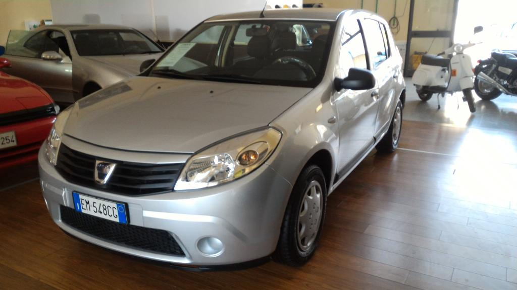 dacia sandero 1 2 benz gpl 2012 clemente autoservice. Black Bedroom Furniture Sets. Home Design Ideas